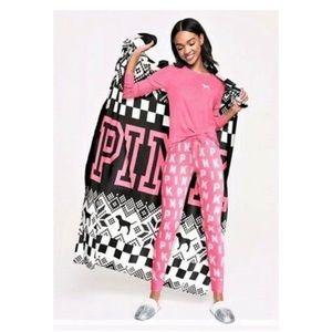 NEW VS PINK cozy blanket